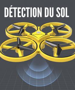 petit drone commandé par une montre